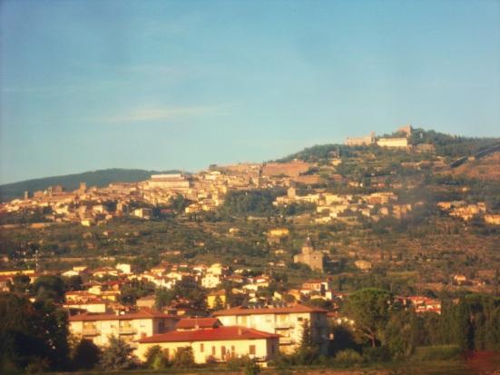 Pemandangan di luar kereta menuju Firenze